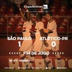 FIM DE JOGO!!!! Com golaço de Rogério, o Tricolor venceu o Atlético/PR e garantiu mais 3 pontos!  #SPFC #SAOxCAP http://t.co/Ymco5kP9B0