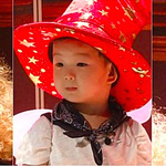 "#SongTriplets Are Adorable in Costume for Cinderella Play on ""Superman Returns"" http://t.co/0ta41bwwZh http://t.co/h0AEWhKP8E"