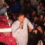 #ChaloChaloLahoreChalo The leader of the people, with the people, for the people. http://t.co/U7yYilQIL9