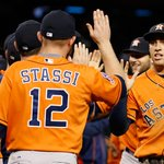 .@Astros beat D-backs, 6-2, trail first-place Rangers by ONE game in AL West. http://t.co/8MNtYP9kwm http://t.co/oafcwZeZsp