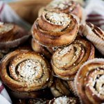 Swedens official #Fika day a.k.a. The day of the cinnamon bun is here! FIIIKKAA!!!!!! http://t.co/vDG86F9qAv http://t.co/GP4SJafZt2