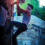 شاب يحاول إعطاب كاميرا مراقبة بالبلدة القديمة بـ #القدس تصوير:محمد دويك تابعونا على انستغرام https://t.co/ncLomT1MFS http://t.co/djbMfkwfqF