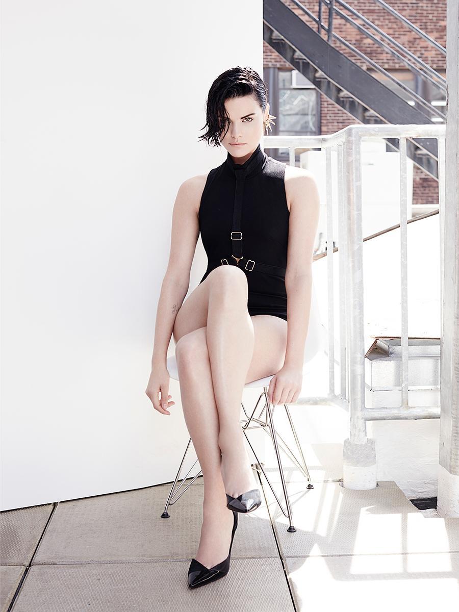 Джейми Александр в фотосессии для New York Post. Сейчас актрису можно увидеть в сериале «Слепое пятно» #КПлюбуется http://t.co/6BrIH73ivK