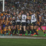 #NRLGF 14-12 HT The siren sounds for the end of the first half with the @BrisbaneBroncos winning by 2! #WWOS http://t.co/G7jzUThppX