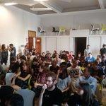 En unos minutos, comienzan las presentaciones en #elhackaton http://t.co/gCy2K3XqZA