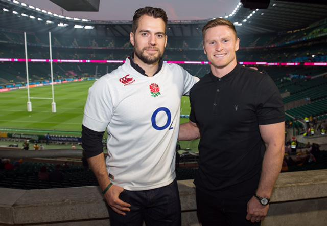 Step 1. Does the shirt fit? #superman #RWC2019 #HenryCavill http://t.co/MW5z11TRCn