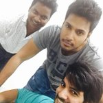 Aadi and me with our Hairstylist Ram..been a while since we clicked a pic together :) http://t.co/HqE64k2PiY