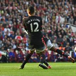HALF-TIME Arsenal 3-0 Man Utd. Alexis Sanchez hits two in a dream opening period for the Gunners http://t.co/a7JC9D9Ioa