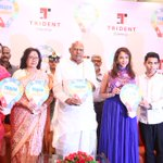 RT @tamilstar: Teach for Change Event Photos http://t.co/AVf2ce0iIw http://t.co/dBN6joZc5t