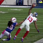 Odell Beckham Jr. made an insane one-handed catch that didnt count - http://t.co/Hk9B4Oer6L http://t.co/Acfb3V9Lak