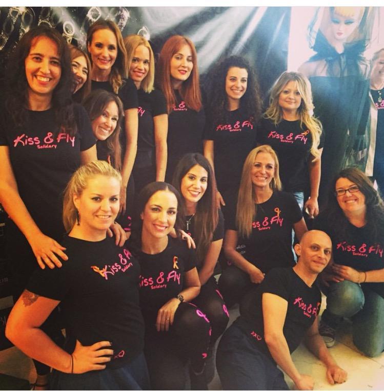 .También hemos presentado campaña #CancerDeMama #PontelacamisetaPink #bloguerassolidarias gracias!!!@KissFlySolidary http://t.co/JiiINhTrVU
