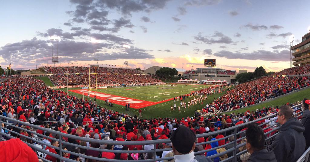 Biggest UNM crowd since 2009 watched the Rio Grande Rivalry yesterday: 30,900 http://t.co/cqpN6OVpsN