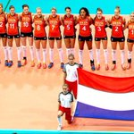 Maar wat hebben we genoten van de @Volleybaldames! #EuroVolleyW #EKVolleybal http://t.co/by8CS8jalq