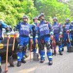 Rescatistas mexicanos llegan a la zona del desastre en El Cambray II http://t.co/OyvrK1dffx http://t.co/FNrTKbZqah