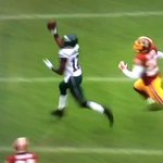 VIDEO: Eagles WR Nelson Agholor makes nice 1-handed catch, fumbles on the next play http://t.co/i4hPs82xEB http://t.co/iiqSbFdqF2