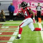 Devonta Freeman is unstoppable! His 3rd TD of the day puts Falcons up 35-0 on Texans. Freeman: 6 TD last 2 wks. http://t.co/N3GEMGAIGr