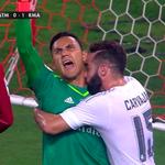 Nuevo penalti detenido. RT: Navas el mejor portero del mundo. #genius. http://t.co/GgZMQ1hUKk