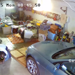 S.F. home-invasion victim turns tables on suspect. Absolutely incredible video: http://t.co/V1LGcQaRLJ http://t.co/jvBgXYJchY