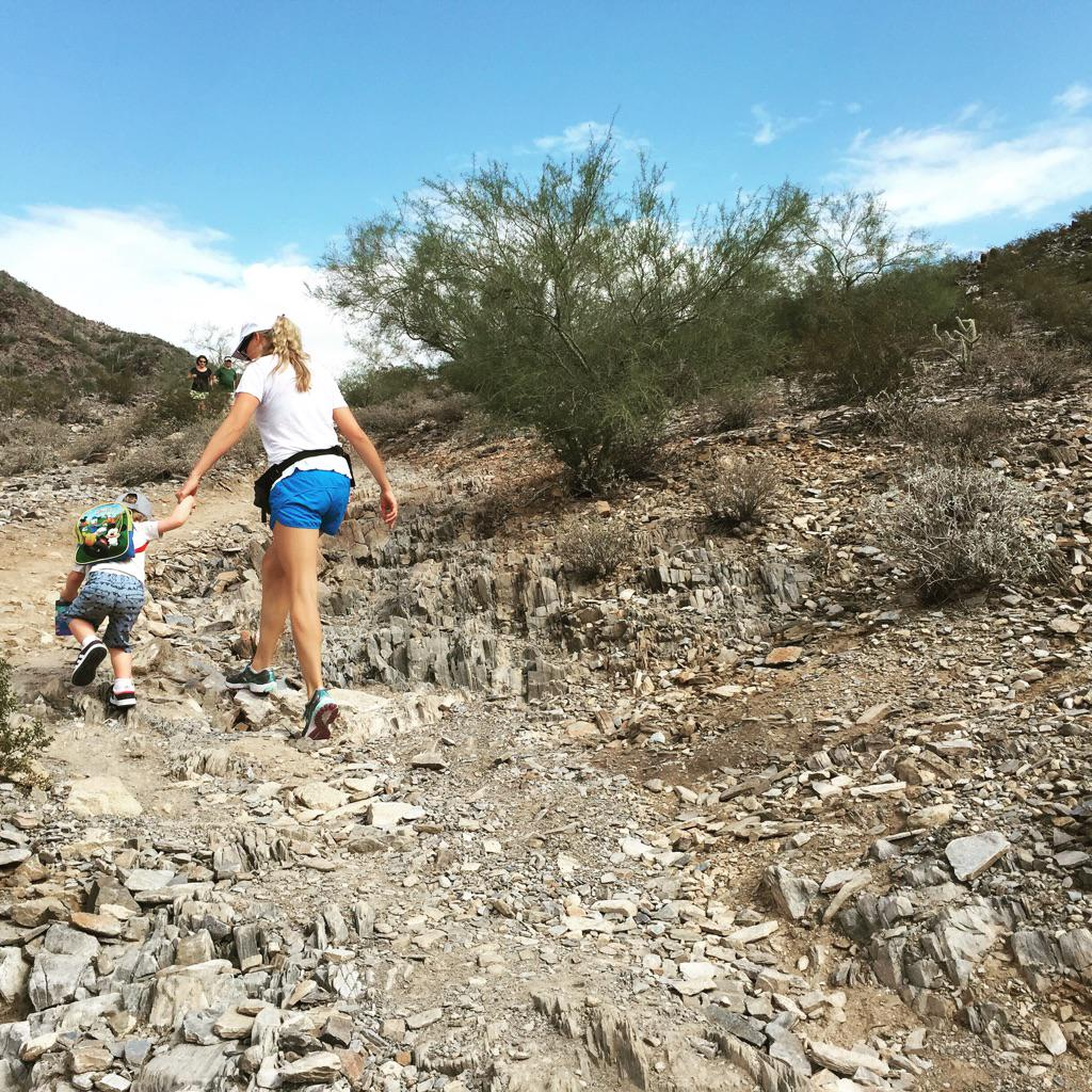 Happy Sunday! #hike #toddler #gettingstrong @themodmomma #az http://t.co/A39UOSSr5a