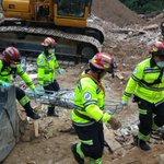 """Un cuerpo más es ubicado por @CBMDEPTAL, en la zona del desastre en El Cambray II. http://t.co/5GFCshajkF"""""""