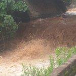 Se incrementa caudal del Río Pinula socorristas alertan sobre posibles riesgos en área de alud. http://t.co/5ujGR9500s
