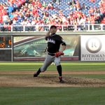 Ichiro Suzuki pitching. Yes, this is happening right now. (via @Marlins) http://t.co/Wmqji6AfIz