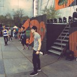 CD9 en soundcheck para su concierto de hoy en @SanFrancisco_14 #ThePartyTour http://t.co/s0Mtd5TX10