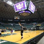#AlohaLakers Tip at 6pm PT http://t.co/Z9gZ8cFSUo