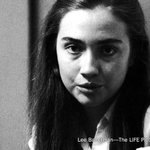 Hillary Rodham in Illinois, 1969. See more photos of @HillaryClinton: http://t.co/34Boqz7W3Y
