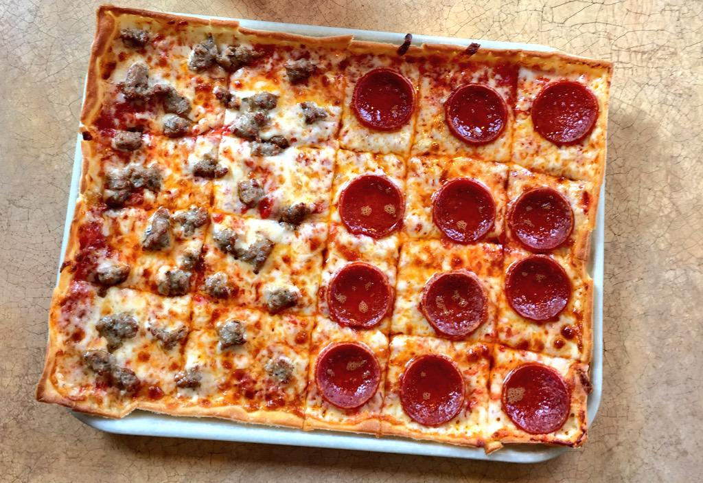 #60YrsOfLedo Giveaway‼️ Retweet for a chance to win a $60 #LedoPizza Giftcard! 1 random winner picked at 9PM on 10/5 http://t.co/Ex1Ceymg21