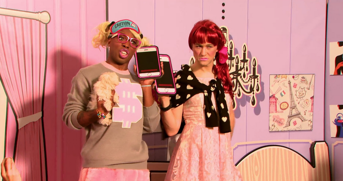 Had so much fun on @toddyrockstar's show. Dressed in drag, sang a song & trashed the set. Airs tonight. #TodrickMTV http://t.co/MsOxwcObec