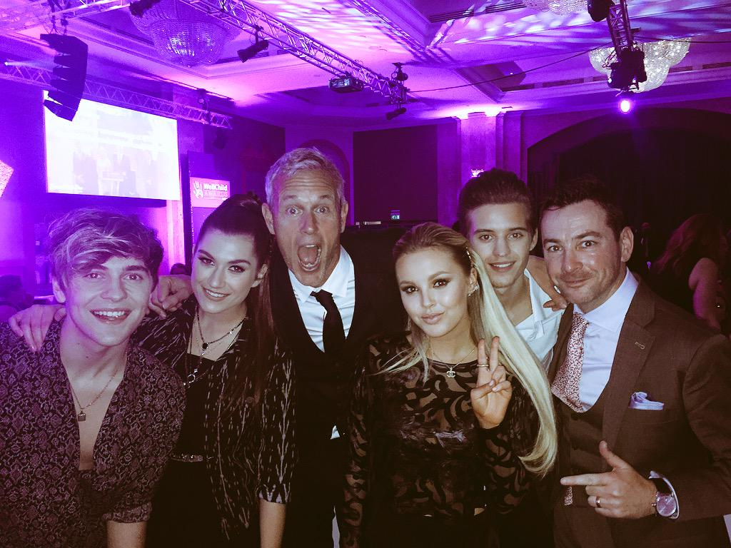 It's official.. New super group formed... @OTYOfficial @GarchyBoy 2directions!! #wellchildawards http://t.co/68n2kFqpa7