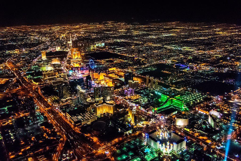 Bright lights. Beautiful city! http://t.co/rv42bb97HI