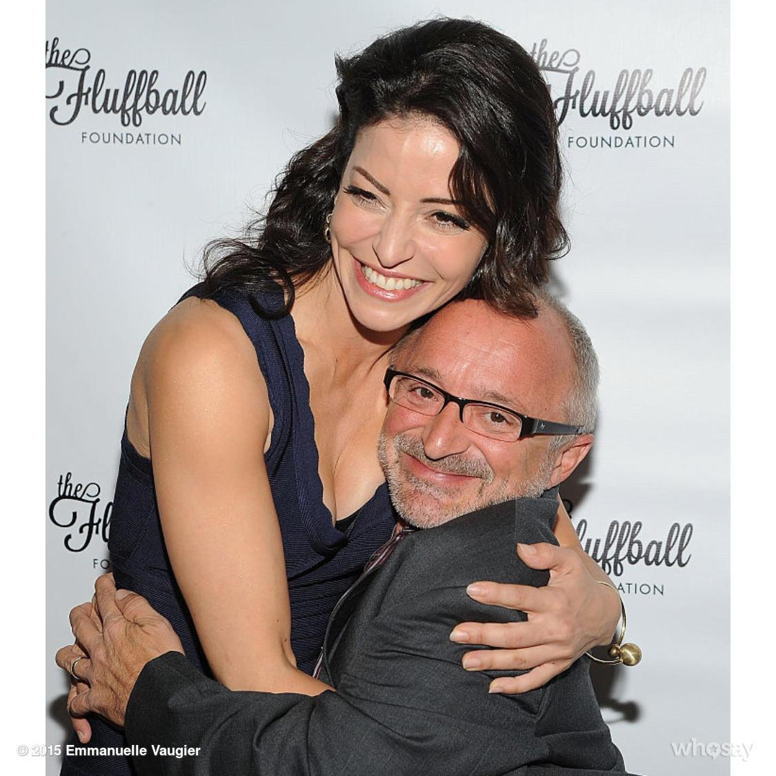 Emmanuelle Vaugier (@evaugier): A little @TheFluffball love with @Rick_Howland @lostgirlseries #Charity http://t.co/FpNm3SDpAP