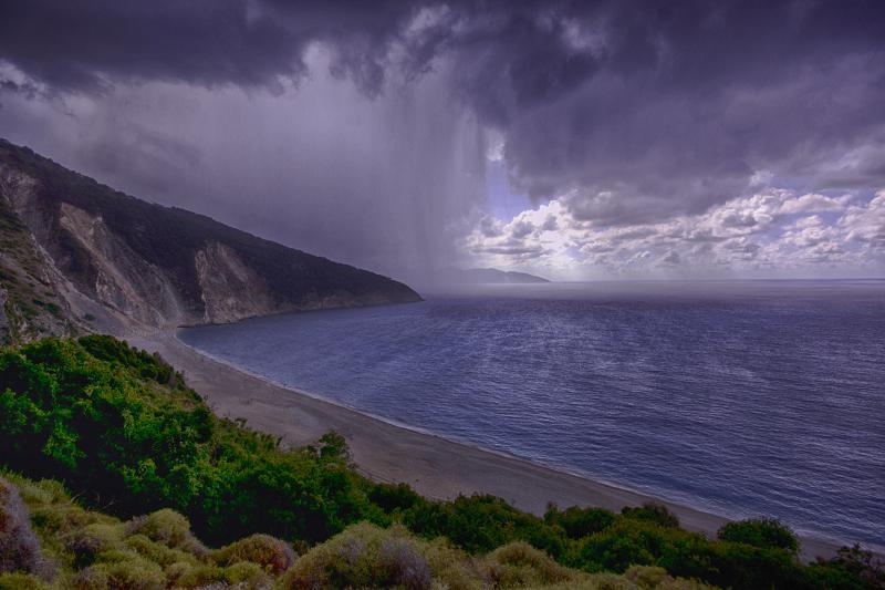 Καλημέρα σας , ο Μύρτος - Κεφαλονιά αλλιώς ... με βροχοκουρτίνα !! Ναπολέων Καραγιαννόπουλος skaikairos.gr !! http://t.co/I0gr2Dp4RC