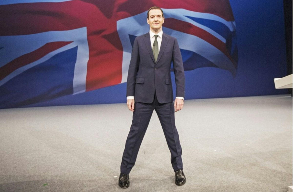 This is not how normal people stand, is it? http://t.co/9bBPdzB3ld