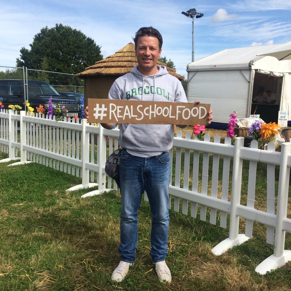 We should be feeding our kids fresh, home cooked food. @ChefAnnFnd! #realschoolfood http://t.co/jsS2WBZBNS http://t.co/IK4JVQrpKT