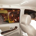 Delhi CM @ArvindKejriwal stuck in traffic, interacting with an Auto driver. http://t.co/D9HCp8ctub