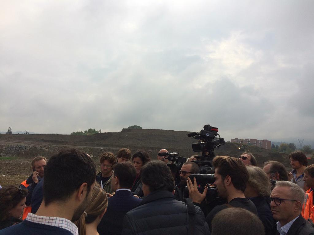 """RT @AgnoMarco: Entro 2016 il parcheggio di Villa Costanza a Scandicci sarà il + grande parcheggio scambiatore x Tramvia @comunefi http://t.…<a target=""""_blank"""" href=""""http://t.co/DGOygtVw3A""""><br><b>Vai a Twitter<b></a>"""