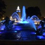 JC Nichols fountain on @ThePlazaKC #ForeverRoyal #HuntForBlueOctober Go @Royals (photo Bill Klinkhardt @kmbc ) @MLB http://t.co/aRZQfNfUVr