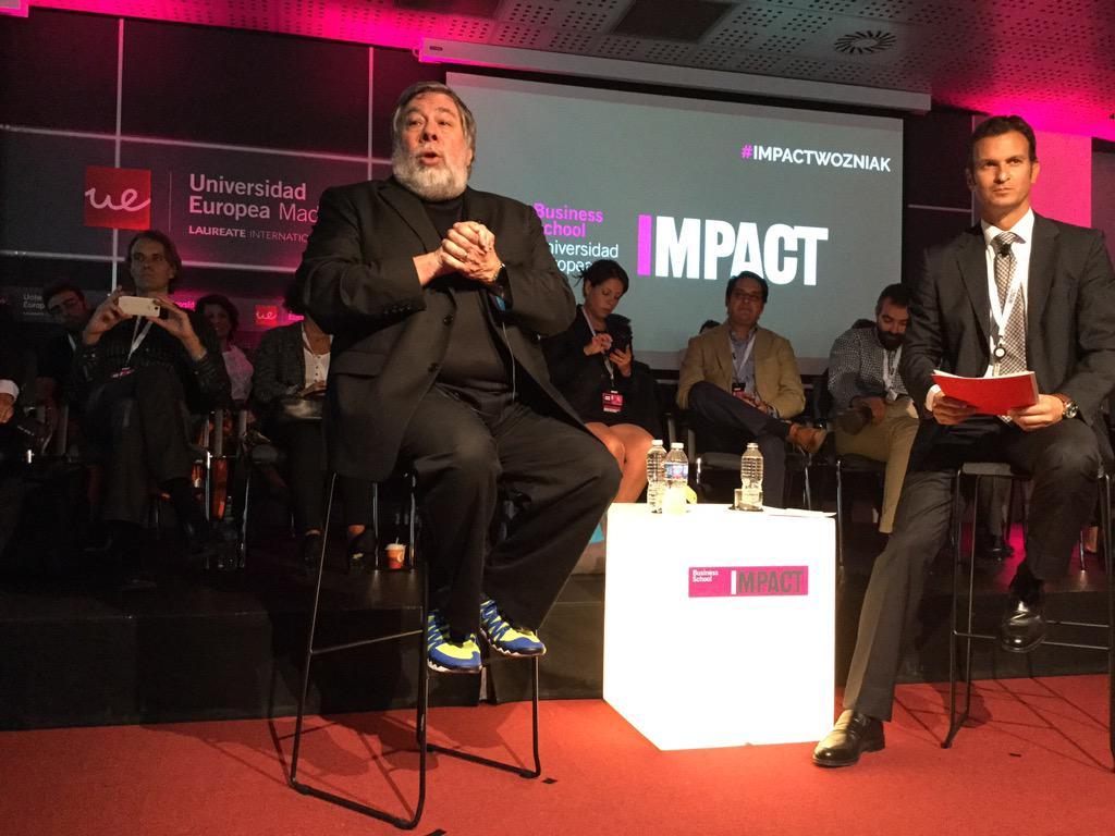 Claves para los negocios: comienza rápido, con poco dinero, buen marketing y buena técnica @stevewoz #ImpactWozniak http://t.co/7P8D2TXcIN