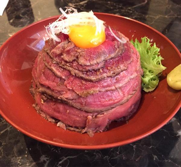 東京のローストビーフ丼がすごい店 http://t.co/Pr9T7SBbMp http://t.co/pxmGvxTmE3