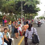 Inicia desfile cívico por 155 años de fundación #LosRios155Años #ViceGlasEnLosRios http://t.co/ZJ6xSUGWYT