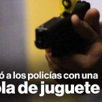 Un sospechoso apuntó a la Policía con pistola de juguete en #Quito » http://t.co/YrHuZKZQep http://t.co/Wg4ImfHOYK