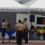 Tanya Varela asume el Comando de zona 8 de la @PoliciaEcuador en #Guayaquil. Es la 1ra mujer en ostentar este cargo. http://t.co/3CtOMGmPlE