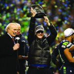 Paul Allen could pay #Seahawks #KamChancellors salary for 3,824 years: http://t.co/iC8yzF6ecw http://t.co/ghDDjFwxMz