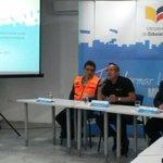 """#VolcánCotopaxi """"De los 112 planteles en zona de riesgo solo 16 planteles están en Quito"""" @AXEA65 http://t.co/E77dWQJqq4"""