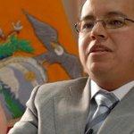 """""""El Gobierno ha tomado decisiones de política pública para equilibrar el sector externo"""" http://t.co/y37Xz7N2di http://t.co/fA9yP6W2ln"""