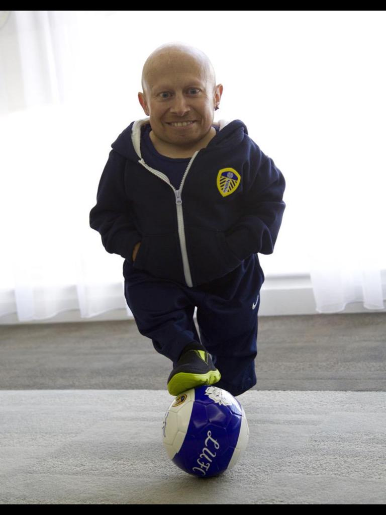 Reppin @LUFC http://t.co/qeWST5oQYs