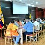 [Reunión] #ElOro coordinación de trabajo Binacional #Ecuador #Perú en atención a limpieza Canal Zarumilla http://t.co/h1Y0KS031v